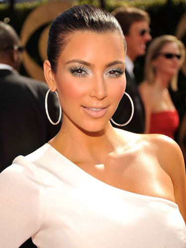 kim kardashian makeup looks. Makeup artist to the stars,