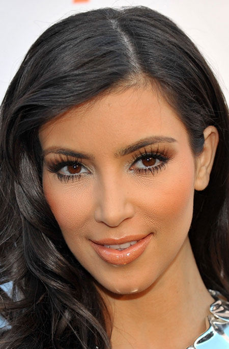 Top-9-Celebrities-makeup-disasters-Kim-Kardashian