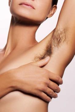 09-woman-armpit-hair.